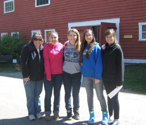 Lori Brunelle and Jennifer Butler with sophomores Sam Brunelle, Mychaela White, and Brooke Walton