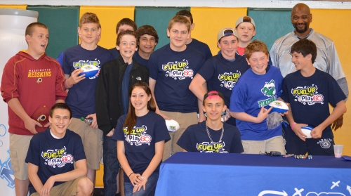 CMS students pose with Lamar Mills