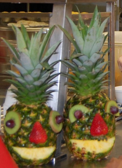 Pineapples1_s